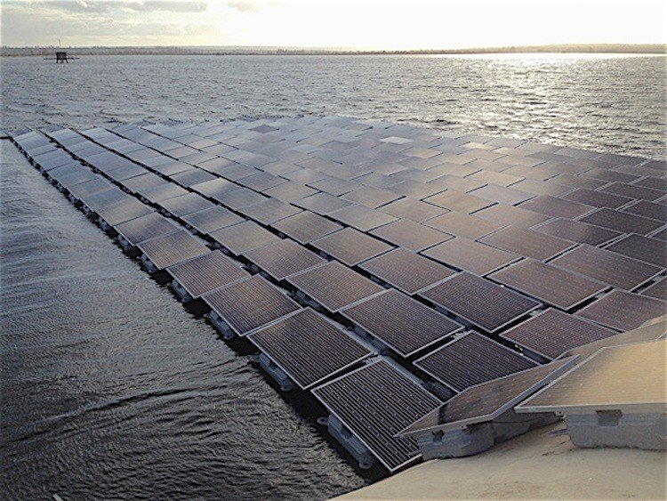 Floating Solar Farm  Source: www.ecowatch.com